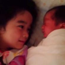 Pic : มุมน่ารั๊คของ2พี่น้อง ณดา - ณดล ปุณณกันต์